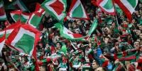 Всем зрителям матчей Российской Премьер-Лиги придется носить средства защиты
