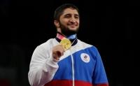 Олимпийский чемпион получил от представителя Государственной Думы подарок в 1 000 000 долларов
