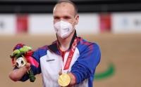 Победителем параолимпиады в Токио стал бывший курьер «Яндекс.Еда»