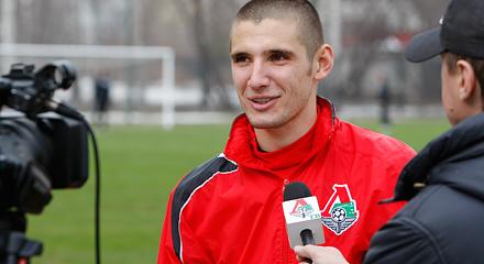 """Тарас Бурлак: """"Семин дал мне шанс в большом футболе, а Красножан – стабильную игровую практику"""""""
