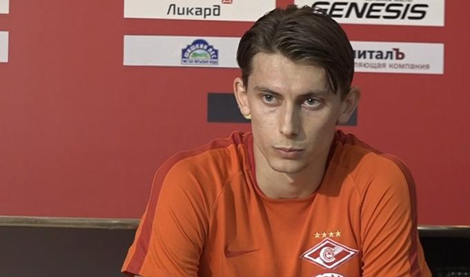 Вторую часть тренировки сборной Российской Федерации пофутболу Глушаков провел индивидуально