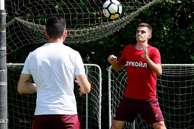 Футболист «Спартака» Зобнин провел первую тренировку наполе после травмы